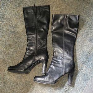 Me Too heel boots